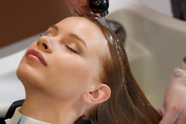 縮毛矯正後の正しいシャンプー方法とは