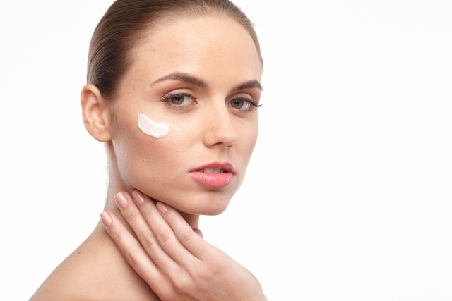 化粧水と乳液の使い方の順番
