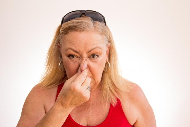 女性の加齢臭はホルモンに左右される