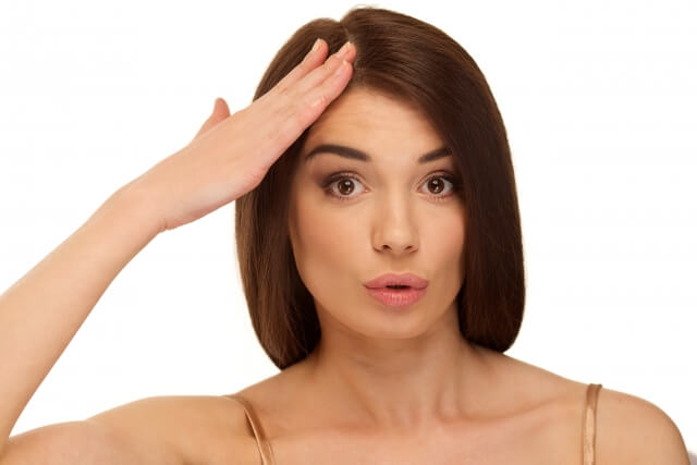 冬の頭皮が乾燥する原因とは!フケや臭いを解消するケア方法